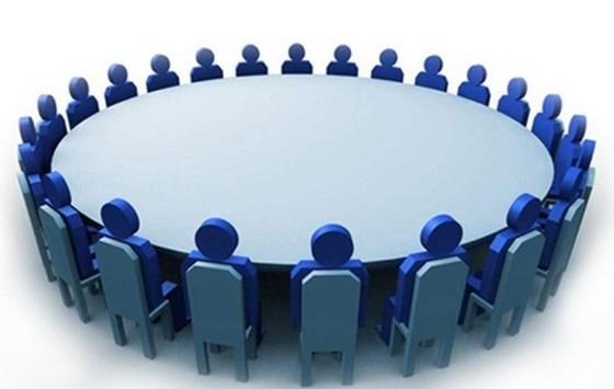राष्ट्र बैंकले बैंकका अध्यक्ष सहित कार्यकारी प्रमुखहरुसँग छलफल गर्दै