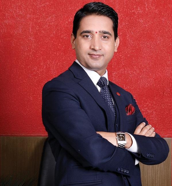 एनआईसी एशिया बैंकको सीईंओ न्यौपाने 'प्रबल जनसेवा श्री' पदकबाट विभुषित