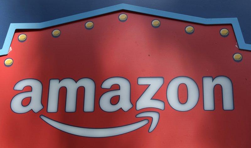 Bezos' private life is no concern to investors