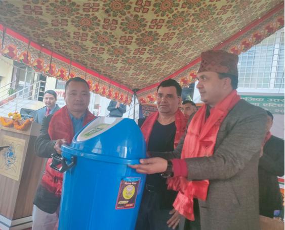 नेपाल बंगलादेश बैँकले गर्यो तिलगंगामा एटिएम उद्धघाटनका साथै पशुपतिकालागि डस्वीन वितरण