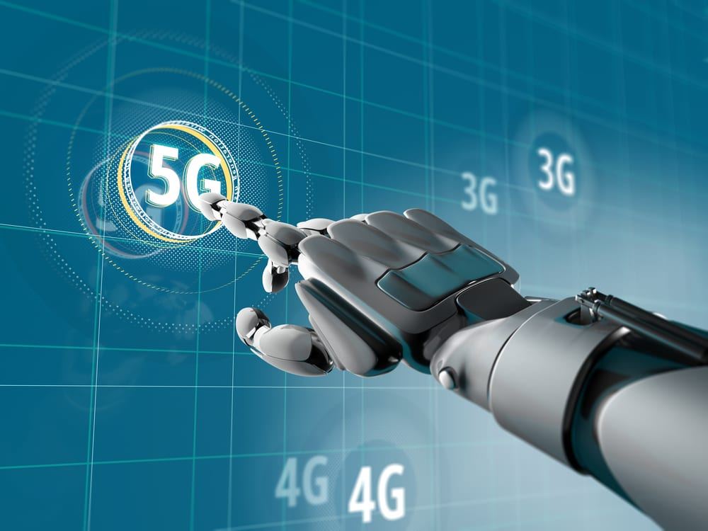 5G-powered robots contribute to epidemic control in China