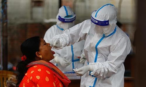 ४,५७४ जनामा भएको पीसीआर परीक्षणमध्ये ३०३ जनामा कोभिड १९ पुष्टि, उपत्यकामा थपिए १७२ जना संक्रमित