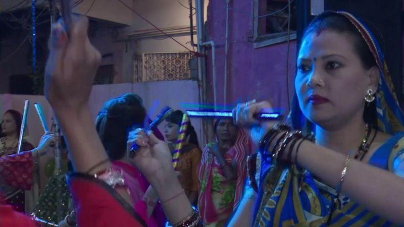 मुस्लिम बहुल पाकिस्तानका हिन्दूले पनि गर्दैछन् दुर्गा भवानीकाे पूजा