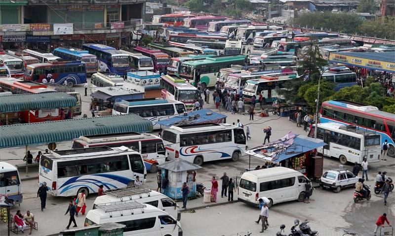 झण्डै तीन महिना पछि खुल्यो लामो दुरीका सार्वजनिक यातायात, काठमाडौं जिल्ला प्रशासनले दियो सञ्चालन अनुमति