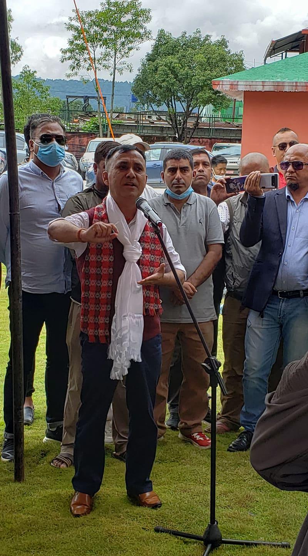 काँग्रेसका प्रवक्ता विश्वप्रकाश शर्माद्वारा महामन्त्रीमा उम्मेदवारी दिने घोषणा