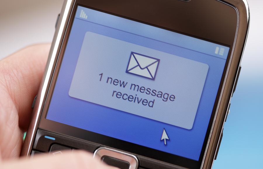 दशैंमा ७२ लाख एसएमएस आदानप्रदान, किन घट्दै छ मोबाइल म्यासेजको प्रयोग ?